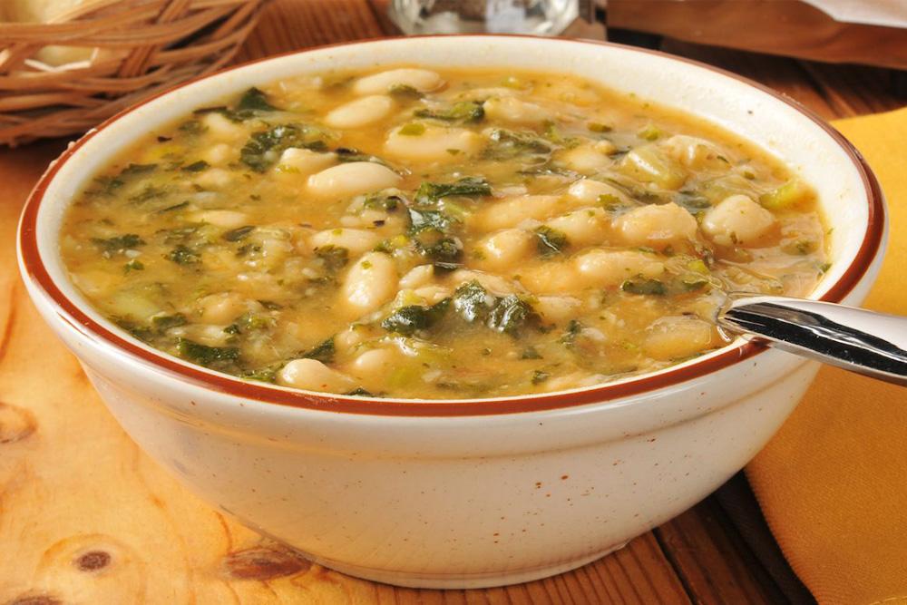 Supă mediteraneană de fasole